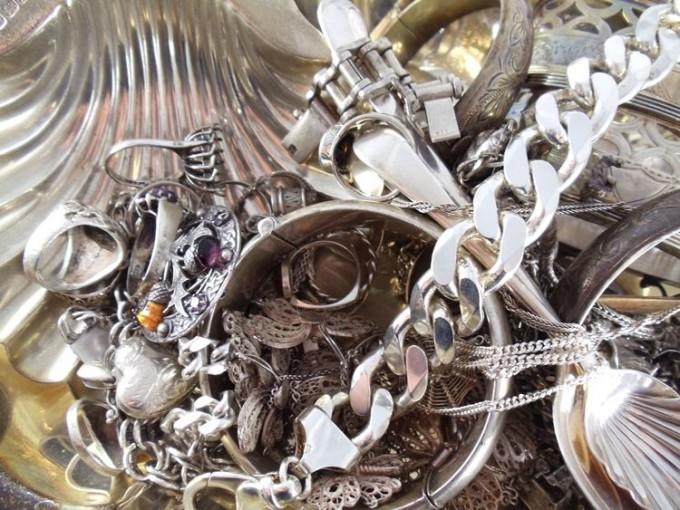 Kaip patikrinti sidabra namu salygomis